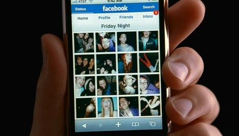 facebookiphone.jpg