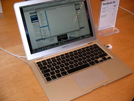 MacBook Air e soluzione di sicurezza: una chiavetta usb