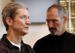 Steve Jobs e Tim Cook