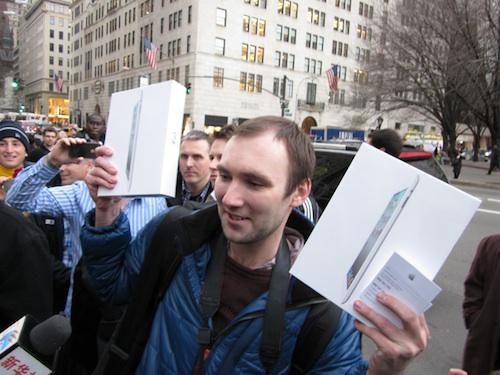 iPad 2, il primo acquirente