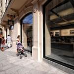 Appe Store Via Rizzoli Bologna perfettamente integrato nel centro storico
