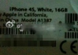 iPhone 4S packaging label