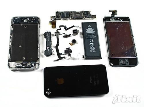 iPhone 4S smontato da iFixit
