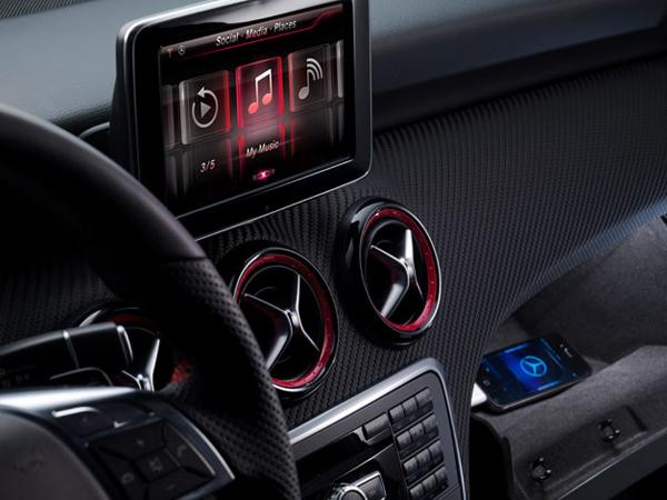 Siri sale a bordo delle Mercedes-Benz - TheAppleLounge.com
