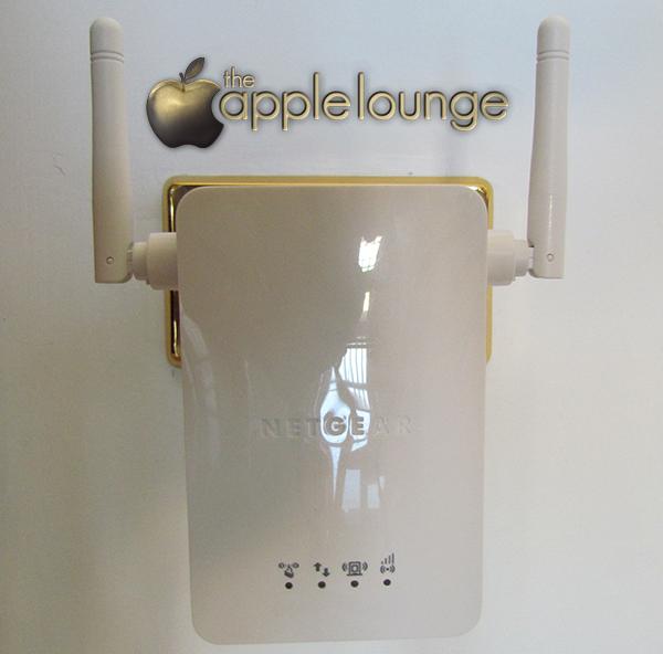 NETGEAR WN3000RP Universal WiFi Range Extender, immagine del dispositivo correttamente collegato alla rete elettrica - TheAppleLounge.com