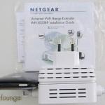 NETGEAR WN3000RP Universal WiFi Range Extender, raffronto spessore con un iPhone 3GS - TheAppleLounge.com