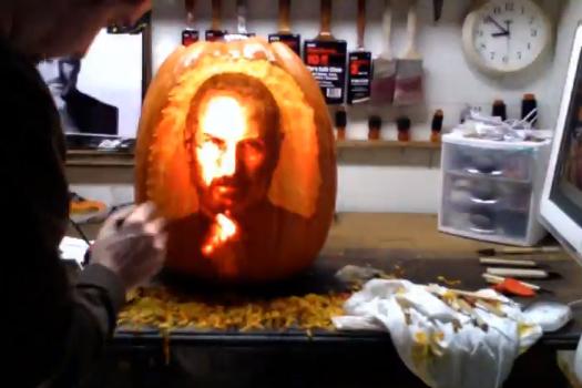 Facce Zucche Di Halloween.Quick Look La Zucca Di Halloween Con La Faccia Di Steve Jobs The