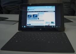 Microsoft Surface con Windows RT, immagine frontale - TheAppleLounge.com