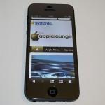 Pellicola protettiva aiino Specchio applicata ad iPhone 5 acceso - TheAppleLounge