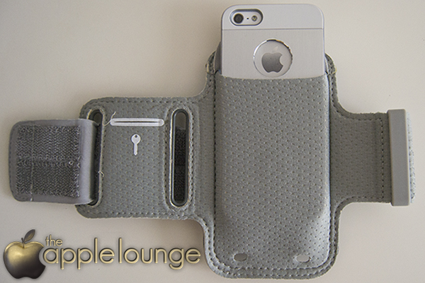XtremeMac Sportwrap (inserimento iPhone 5) - TheAppleLounge.com
