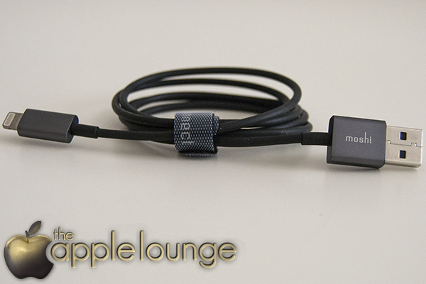 moshi USB cable with Lightning Connector (fuori dalla scatola) - TheAppleLounge.com
