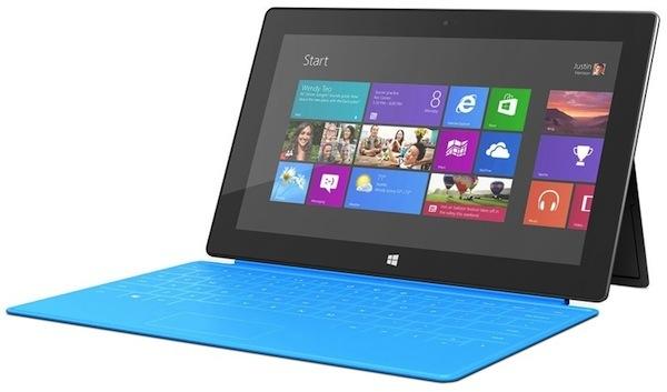 Surface RT con tastiera azzurra