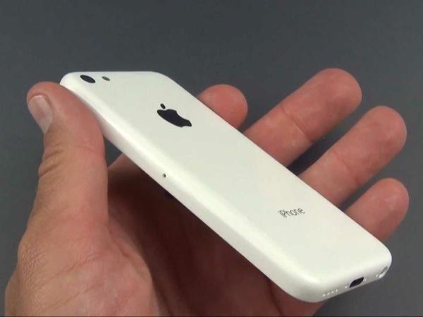 La scocca dell'iPhone economico mostrata da un recente video