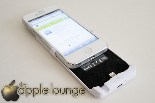 iPhone 5 Battery Bank Cover by Puro, telefono in inserimento - TheAppleLounge.com