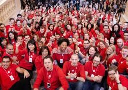 13216-7795-happy-employees-130729-l