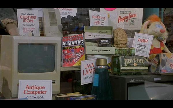 Eh sì, è proprio lui, il primo storico Macintosh del 1984.