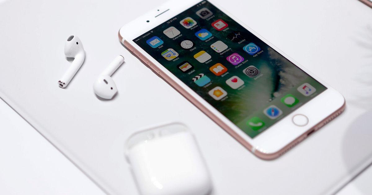 Ragazzo ucraino si cambia nome adesso si chiama ufficialmente iPhone 7