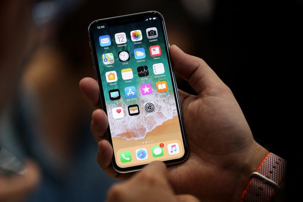 Quanto costa ad Apple produrre un iPhone X?